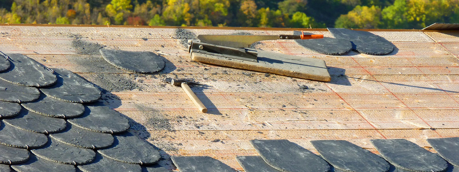 Werkzeug eines Dachdeckers