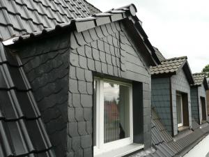 Dachgaube mit Schieferfassade