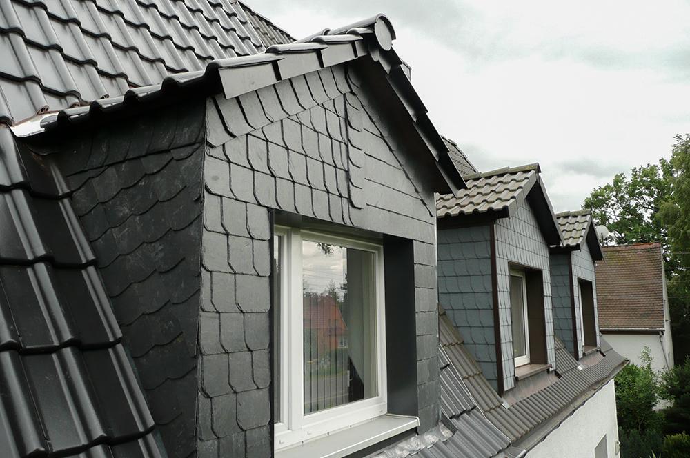 Leistungen Dachdeckerei Dachgaube mit Schiefer
